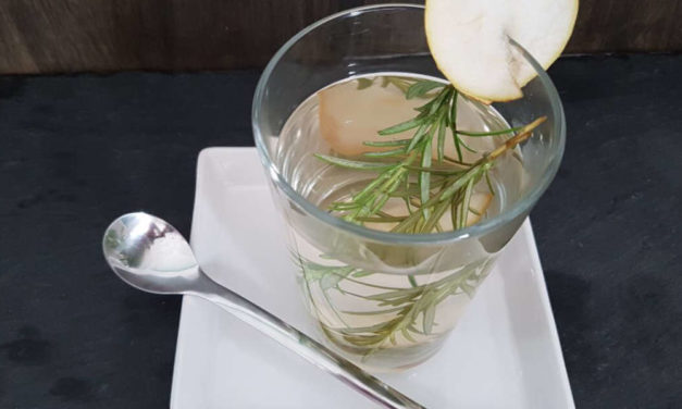 Basischer Rosmarin Tee statt Kaffee